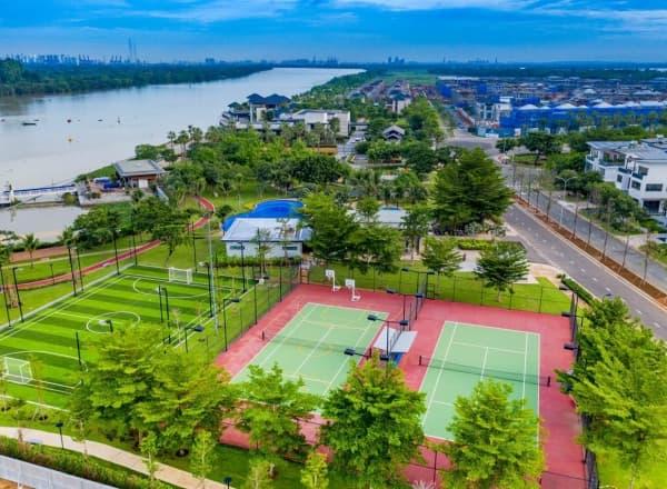 sân tennis tại centria cù lao tân vạn
